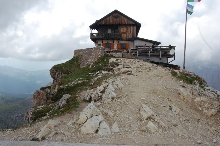 mozna jeszcze wyżej - rifugio Nuvolau